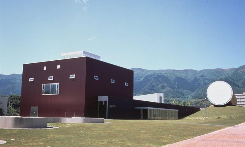 027 奈義町現代美術館・鳥取砂丘と鳥取温泉